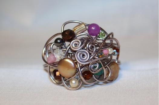 pulsera_aluminio_perlas_piedras